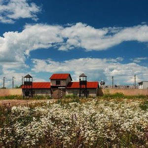 Ukraine Prison Set